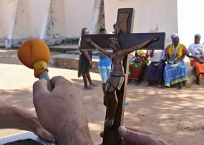 EPISODE 7 – The cross and the church at Mupa